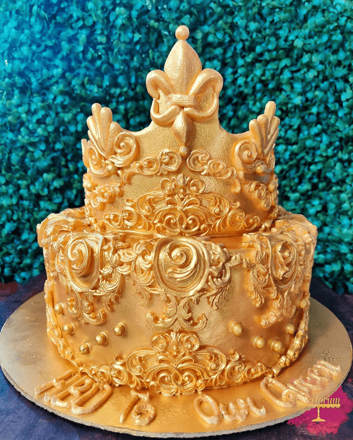 Charming Queen Cake