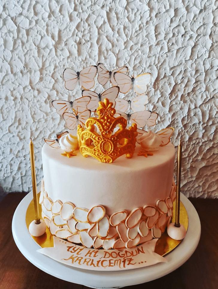 Elegant Queen Cake