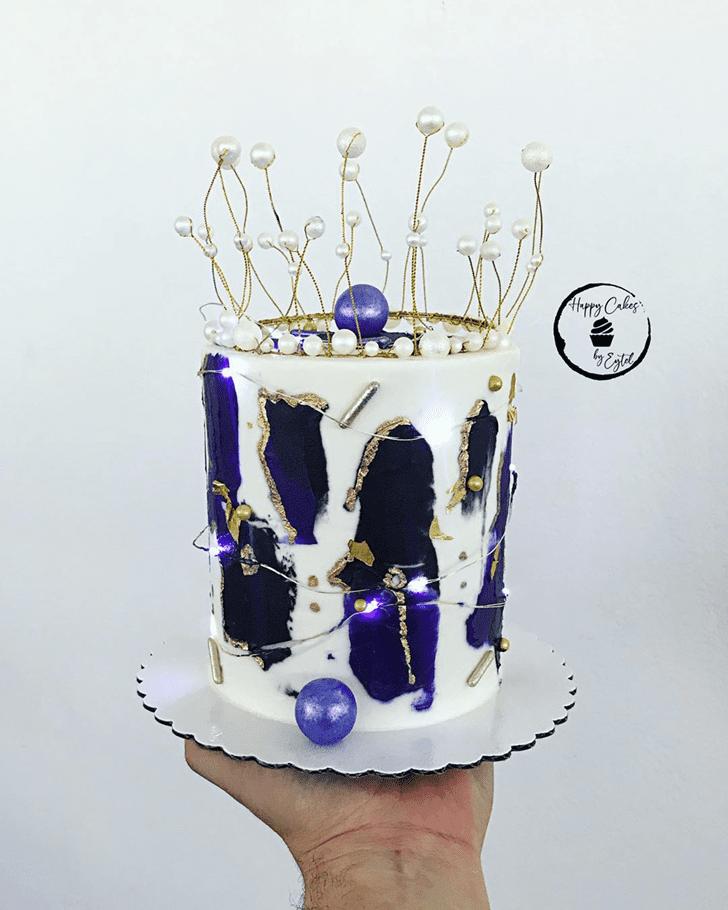 Fetching Queen Cake