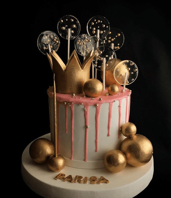 Magnetic Queen Cake