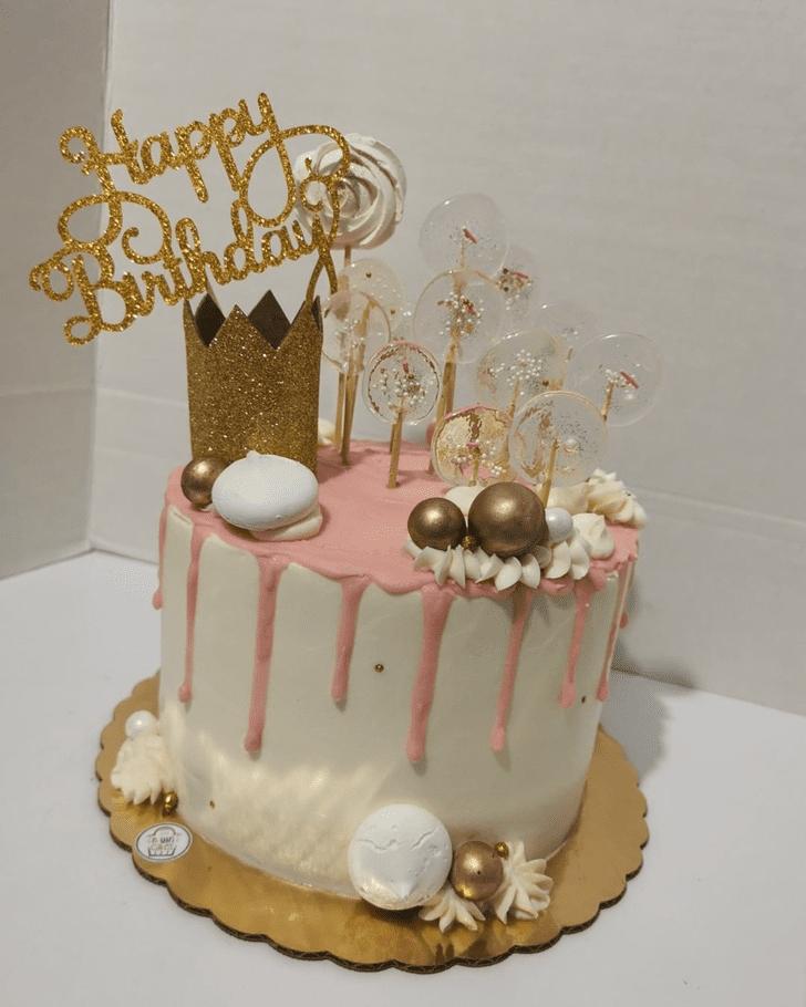 Nice Queen Cake