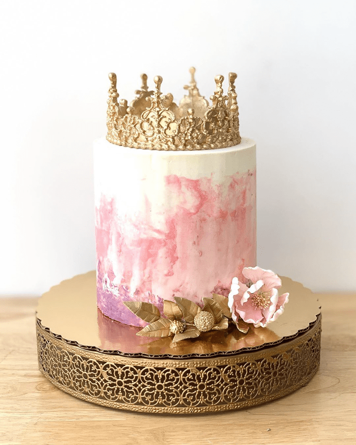 Shapely Queen Cake