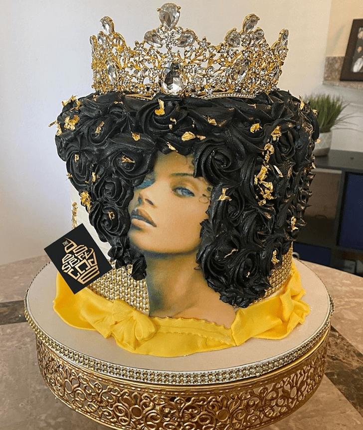 Superb Queen Cake