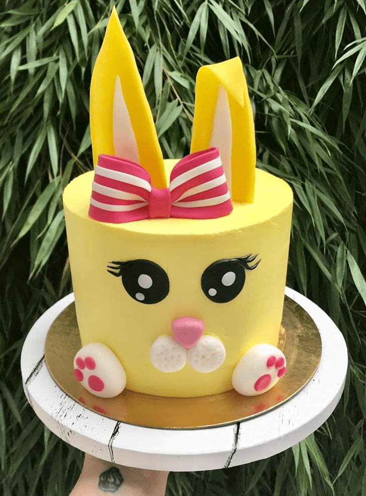 Comely Rabbit Cake