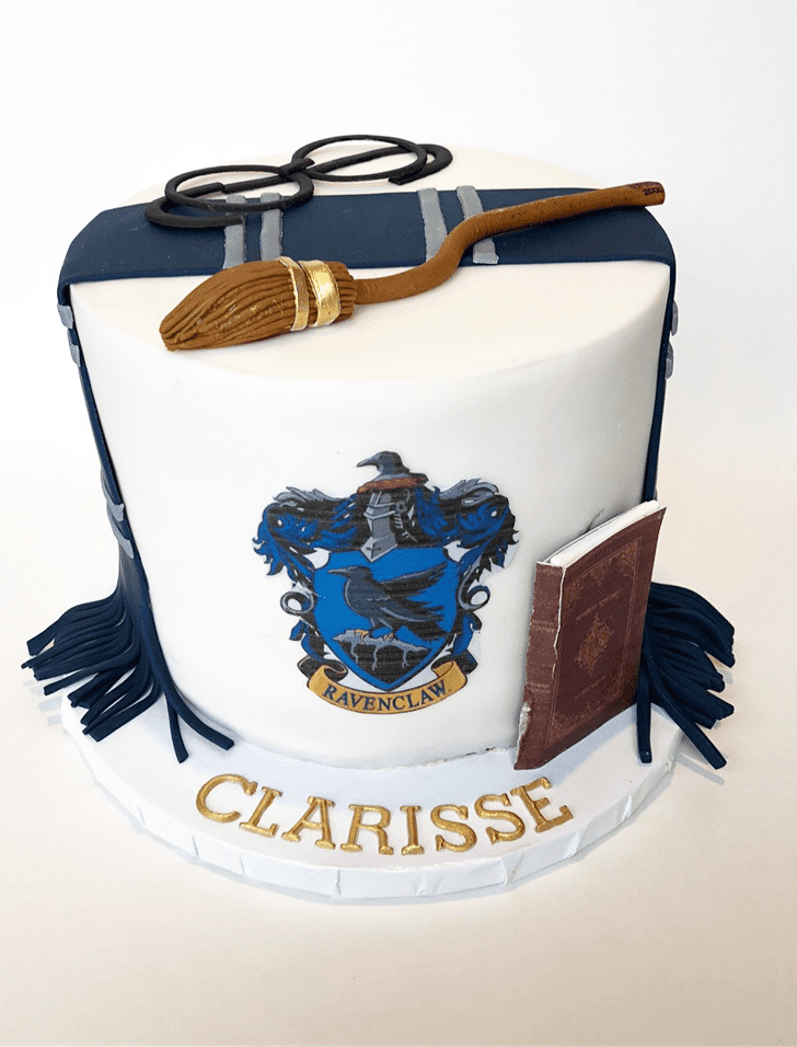 Admirable Ravenclaw Cake Design