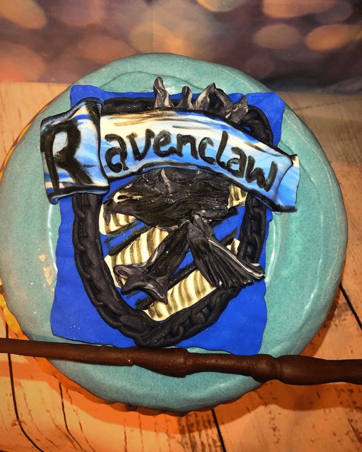Lovely Ravenclaw Cake Design