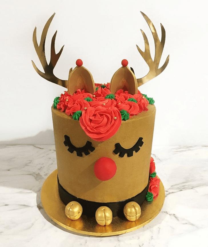Captivating Reindeer Cake