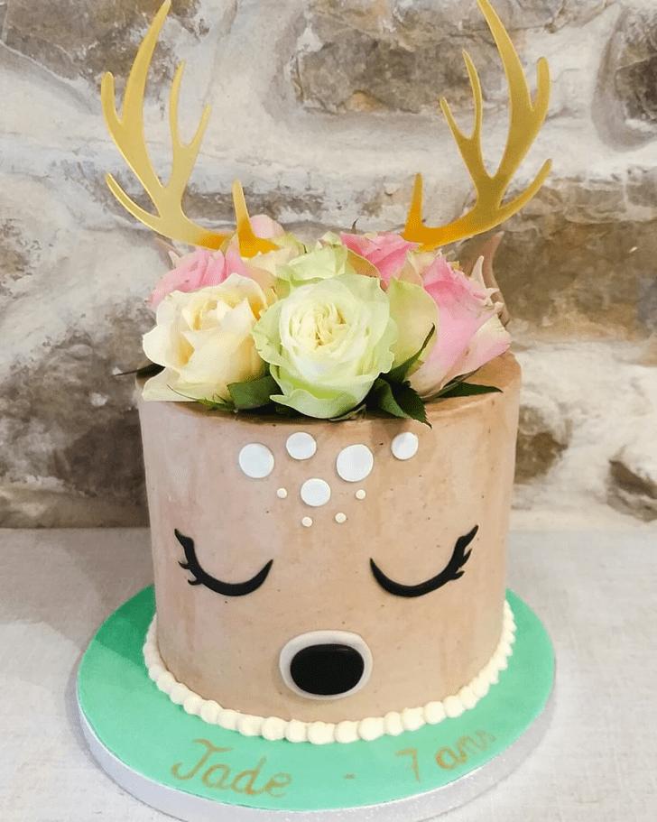 Delicate Reindeer Cake