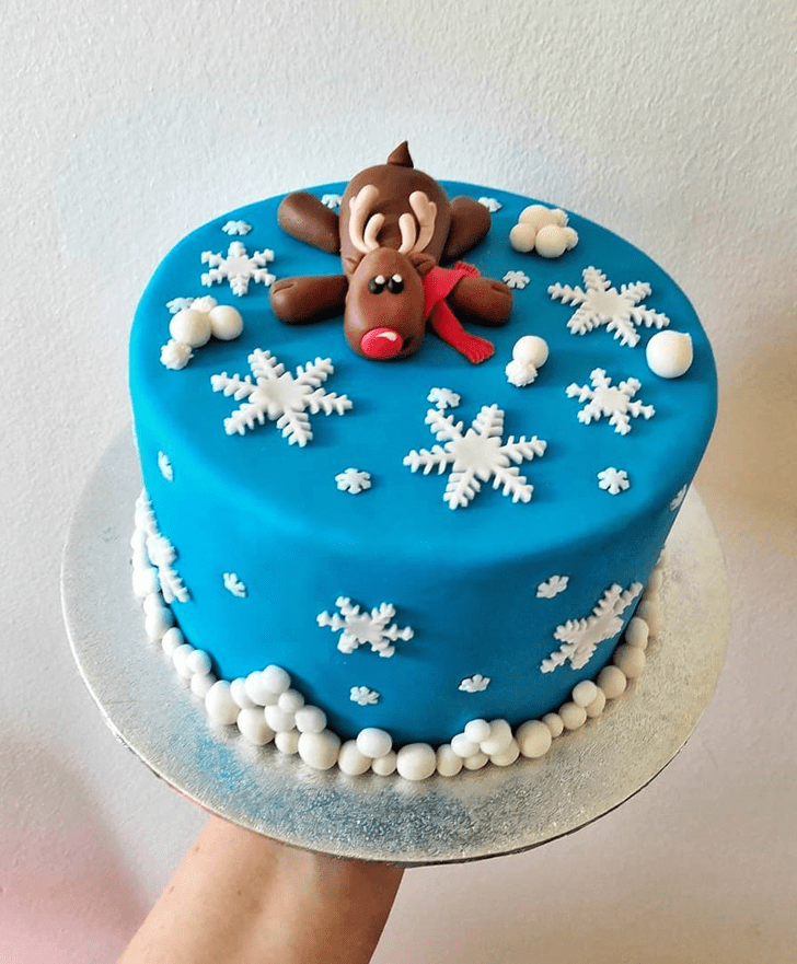 Divine Reindeer Cake