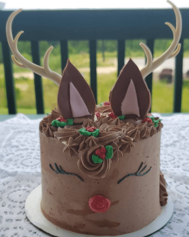 Enthralling Reindeer Cake