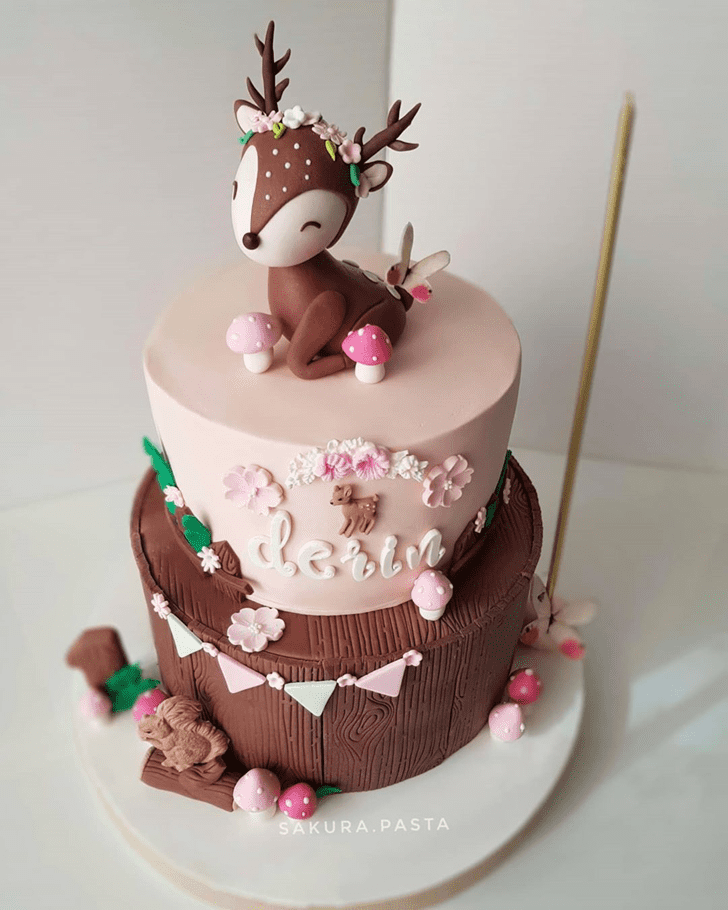 Lovely Reindeer Cake Design