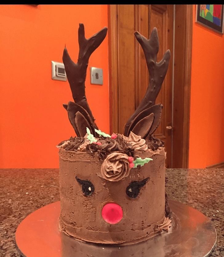 Marvelous Reindeer Cake