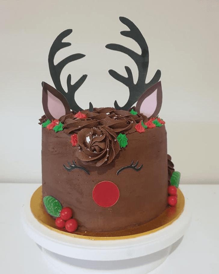 Pleasing Reindeer Cake