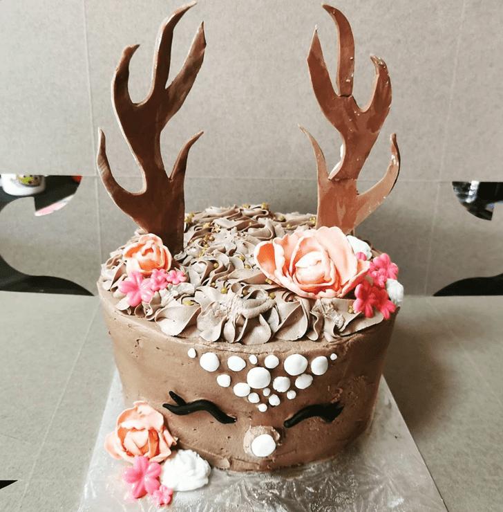 Pretty Reindeer Cake