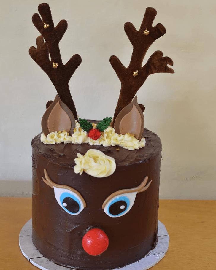 Shapely Reindeer Cake