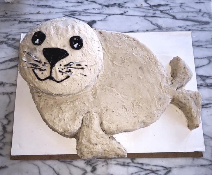 Alluring Seals Cake