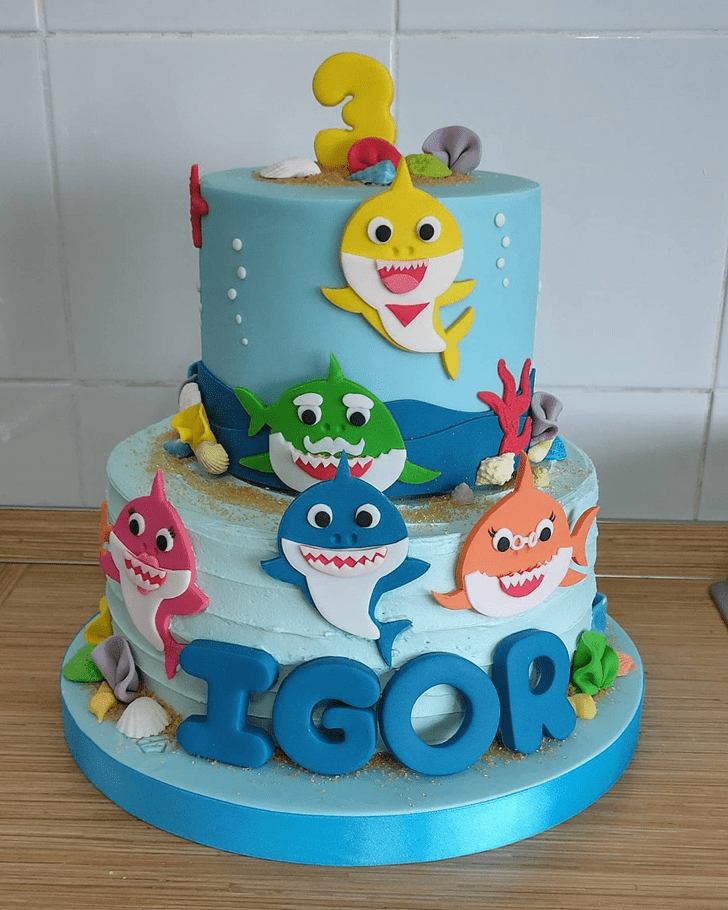 Splendid Shark Cake