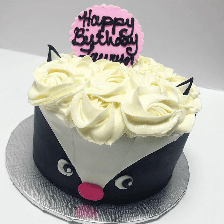Appealing Skunk Cake