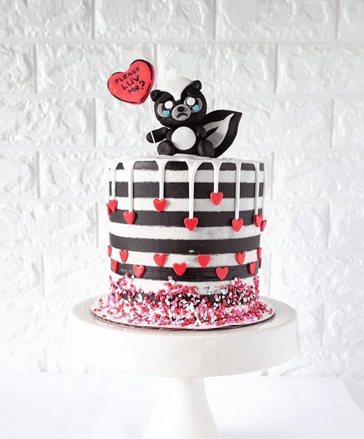 Beauteous Skunk Cake