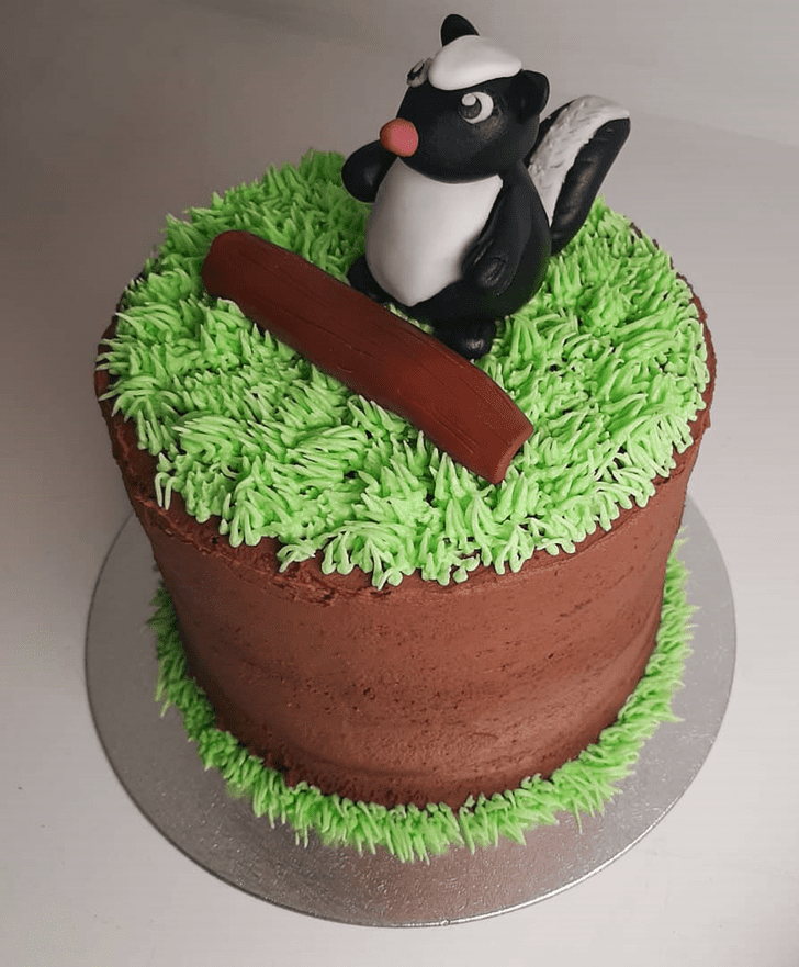 Captivating Skunk Cake