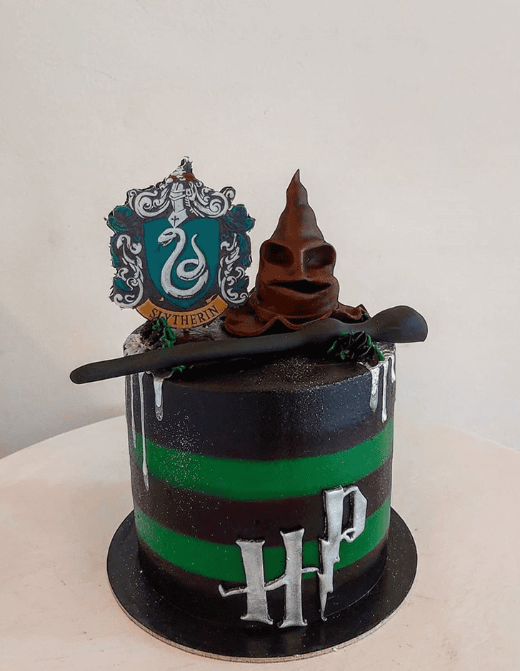 Admirable Slytherin Cake Design