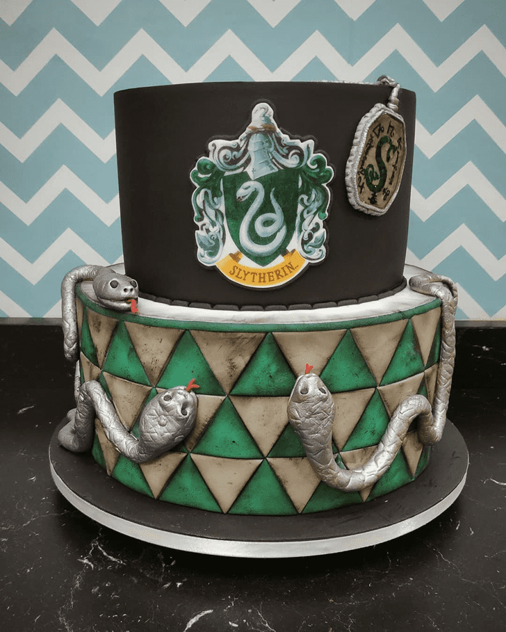 Beauteous Slytherin Cake