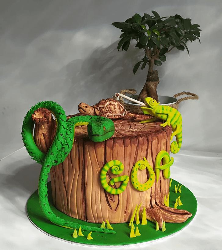 Enthralling Snake Cake