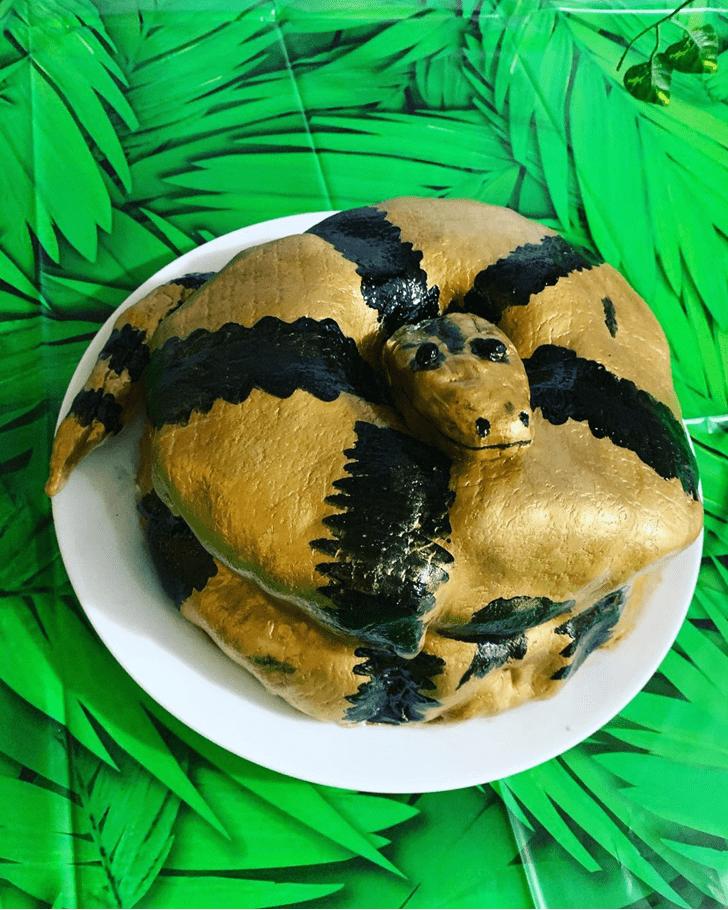Excellent Snake Cake