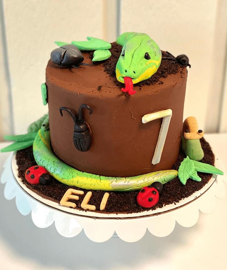 Exquisite Snake Cake