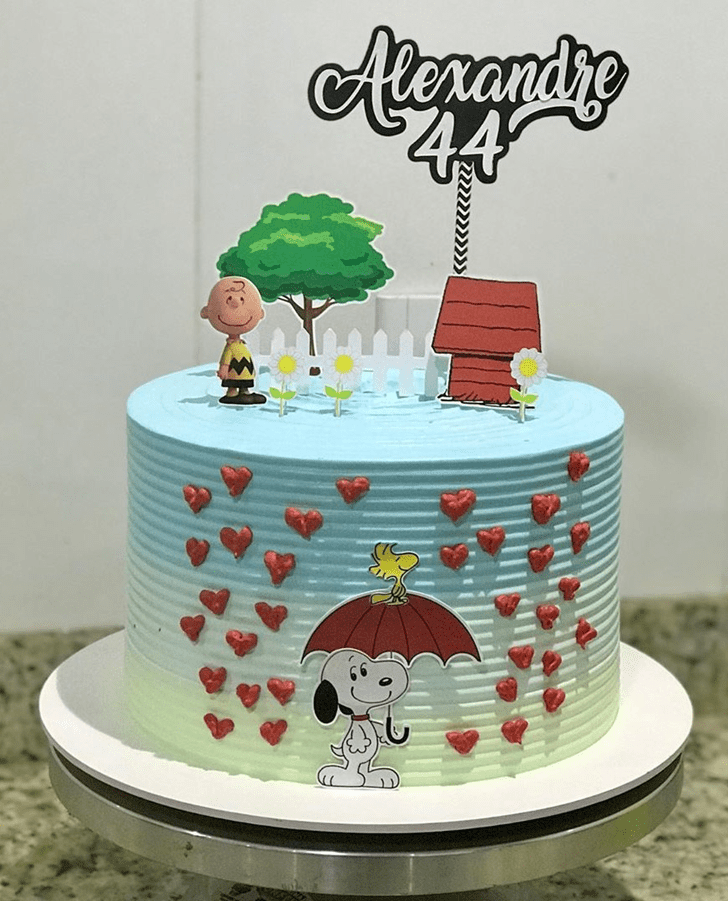 Adorable Snoopy Cake
