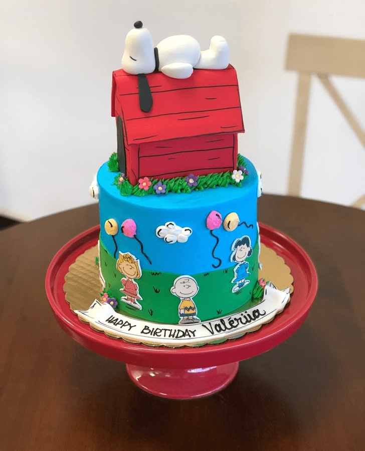 Charming Snoopy Cake
