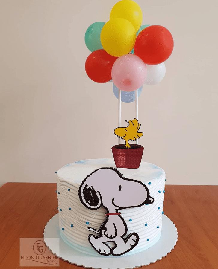 Cute Snoopy Cake