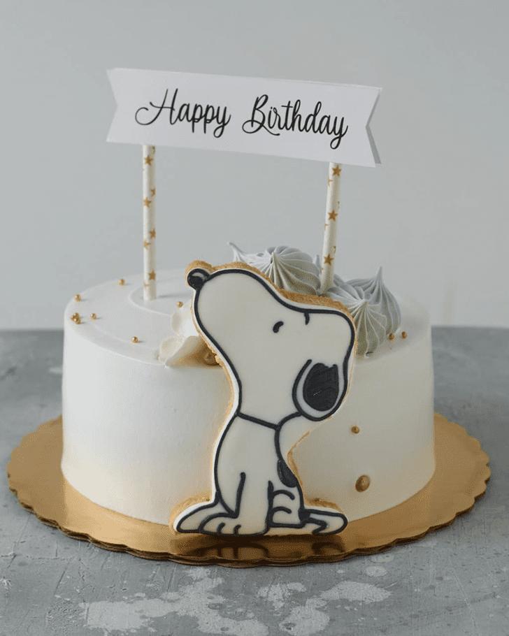 Dazzling Snoopy Cake