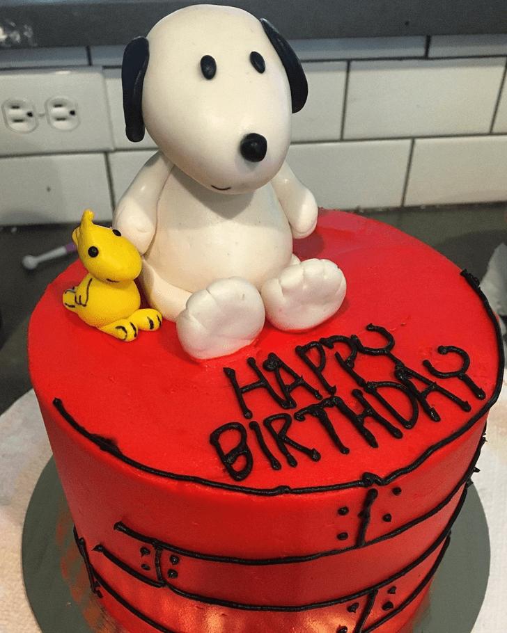 Elegant Snoopy Cake