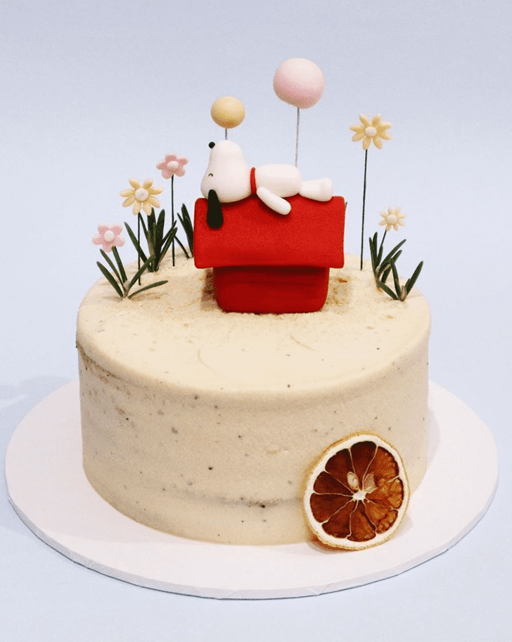 Ideal Snoopy Cake