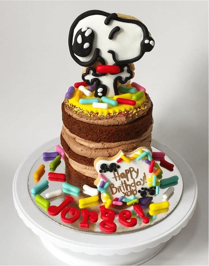 Inviting Snoopy Cake