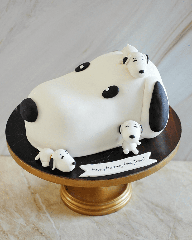 Lovely Snoopy Cake Design