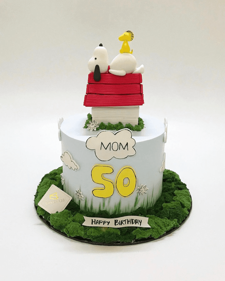 Nice Snoopy Cake
