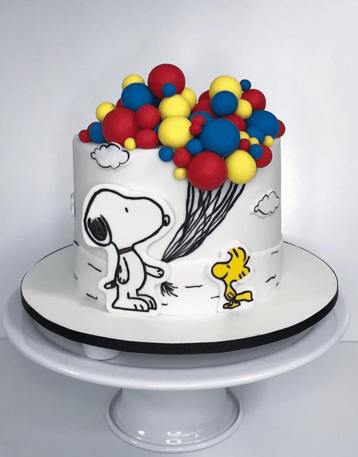 Superb Snoopy Cake