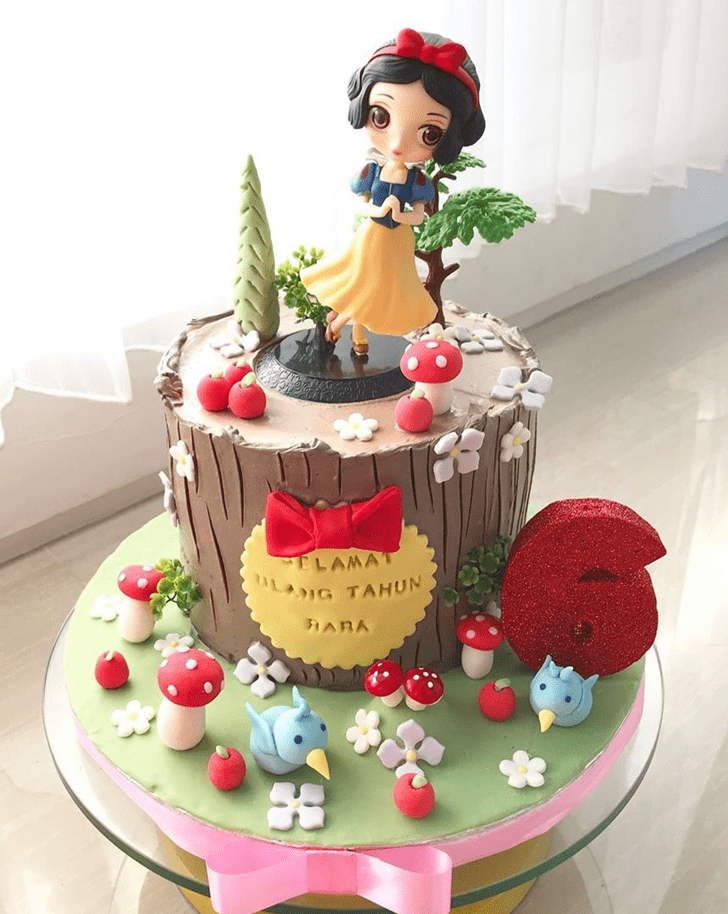 Beauteous Snow White Cake