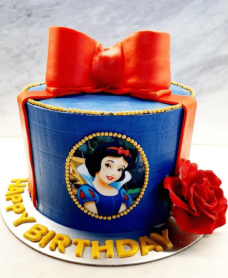 Charming Snow White Cake
