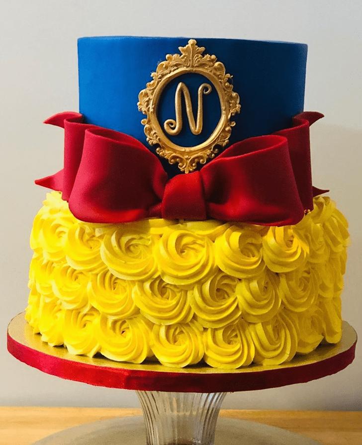 Dazzling Snow White Cake