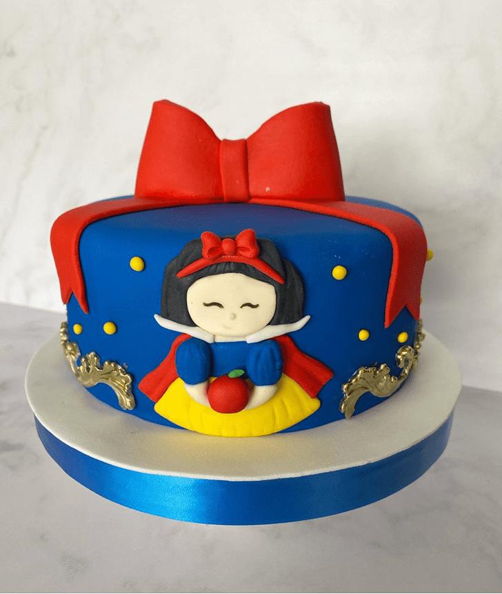 Good Looking Snow White Cake