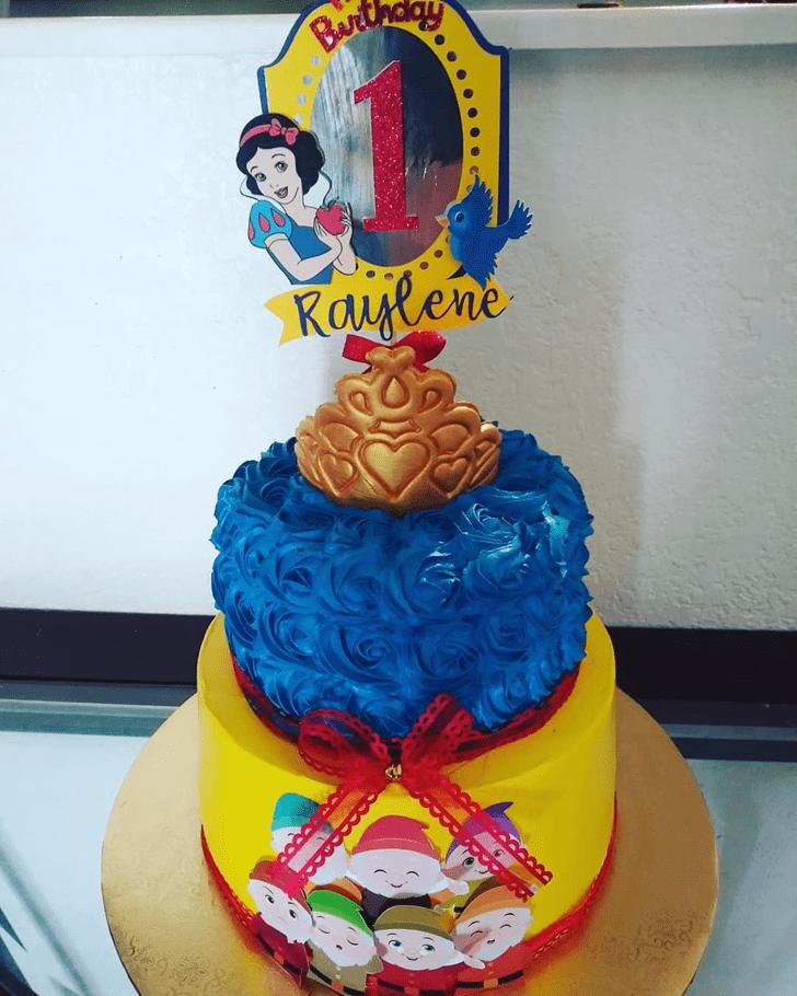 Gorgeous Snow White Cake