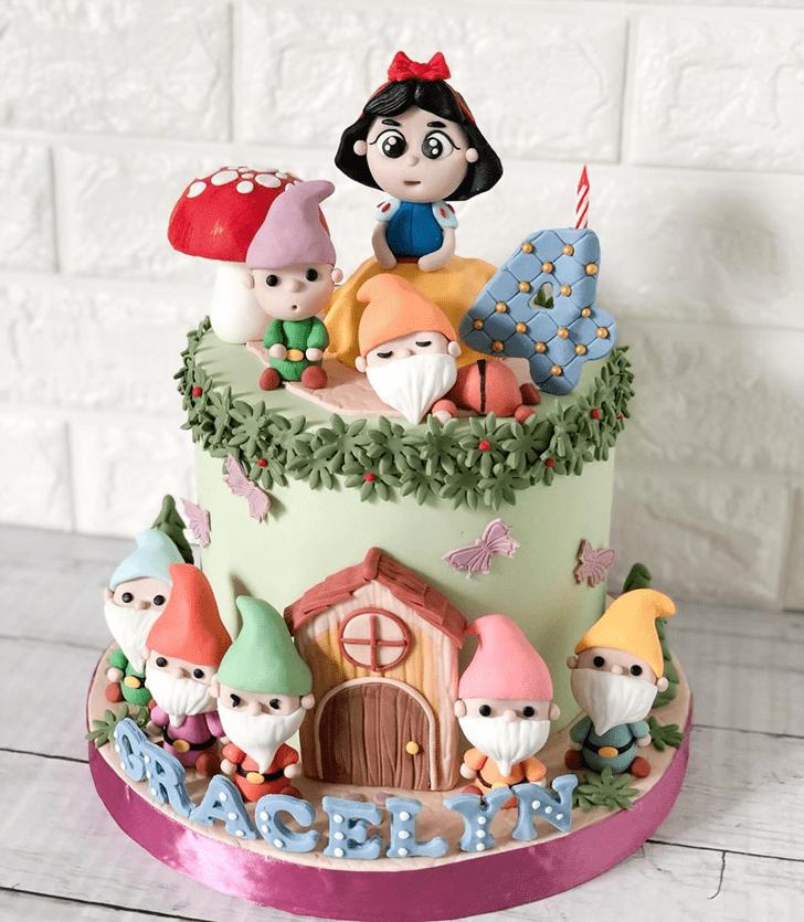 Lovely Snow White Cake Design