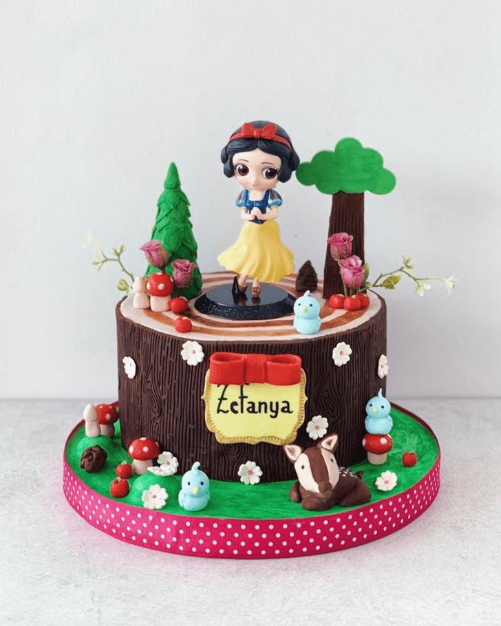 Mesmeric Snow White Cake