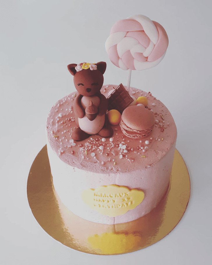 Shapely Squirrel Cake
