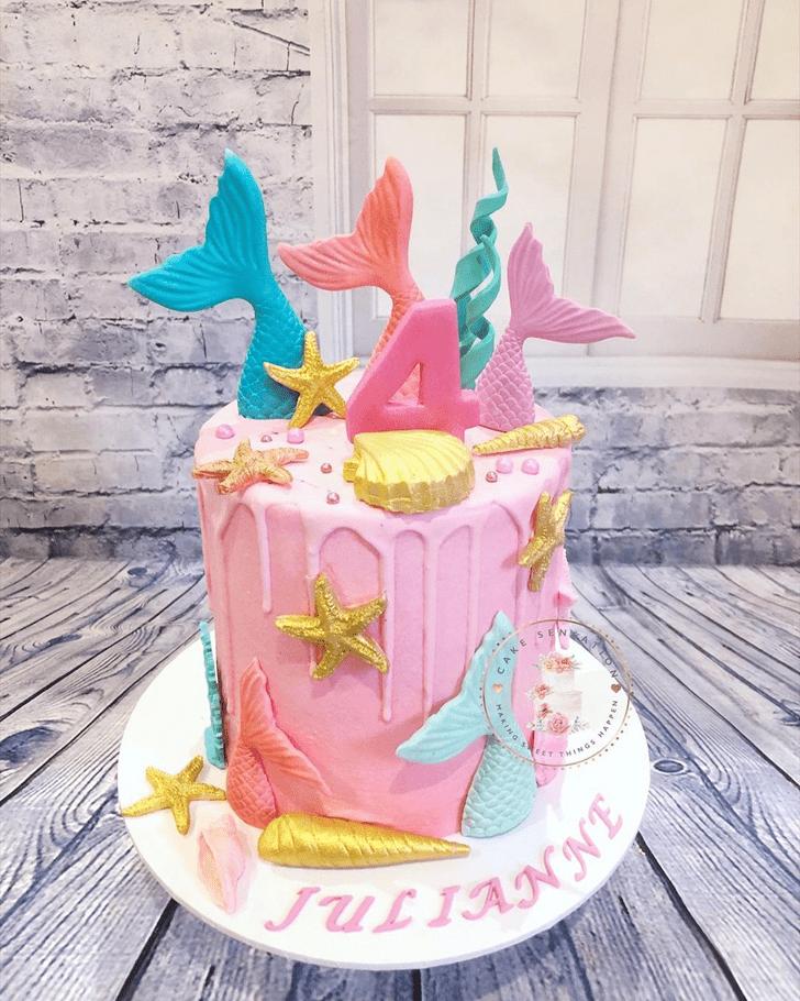 Classy Starfish Cake