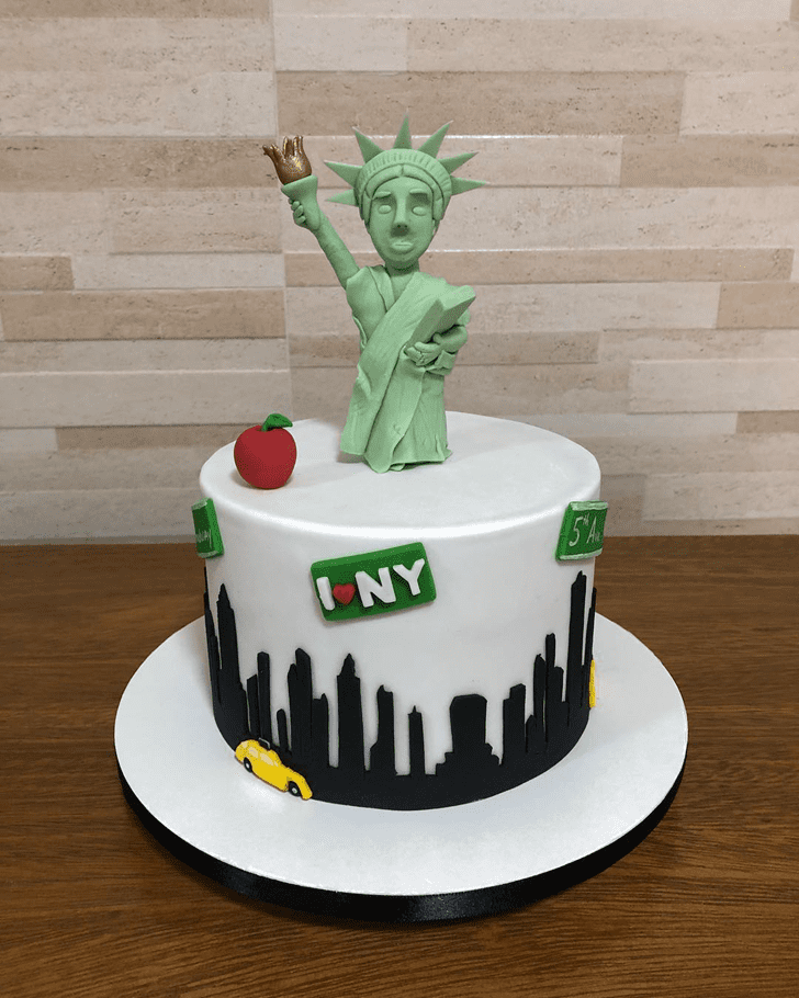 Enthralling Statue of Liberty Cake