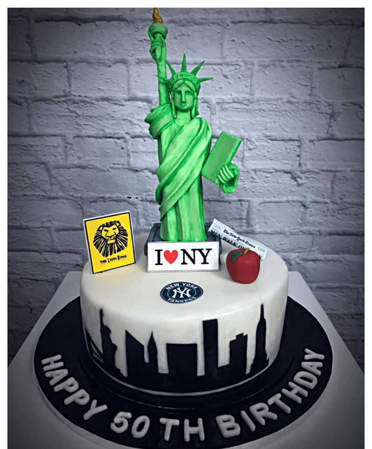 Exquisite Statue of Liberty Cake